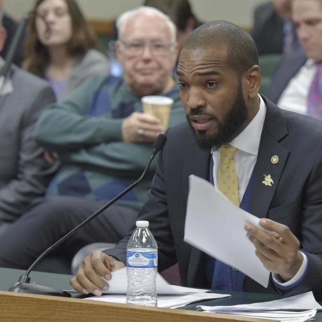 Missouri House Democrat accused of sex with intern defies calls for his resignation