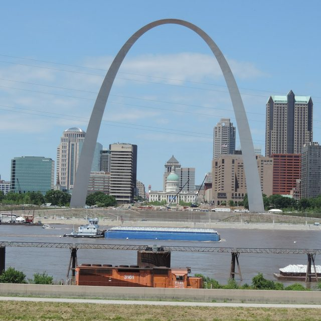 As evictions loom, federal moratorium extends and Missouri rental assistance expands