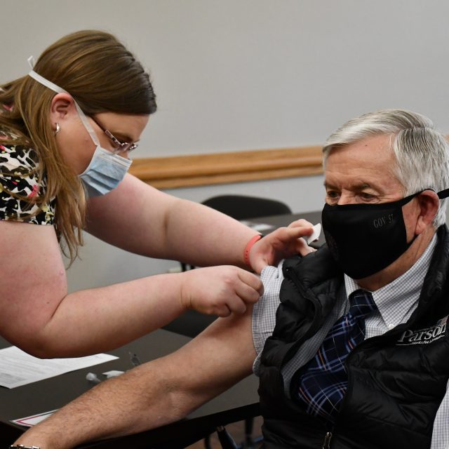 Parson announces every Missourian will be eligible for a COVID vaccine by early April