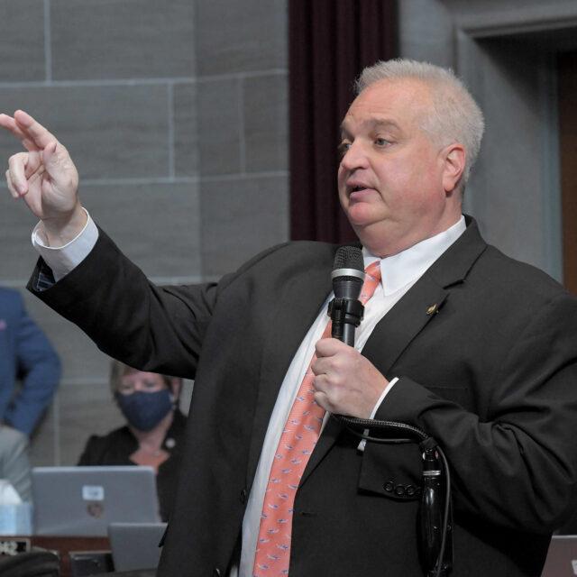Missouri lawmakers seek to rein in clean-energy loan program